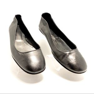 Women's Saks Fifth Avenue Flats, Made in Italy.